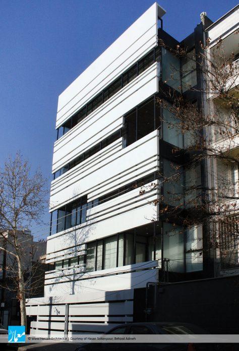 ساختمان مسکونی بارکا / حسن سلطانپور، بهزاد آدینه