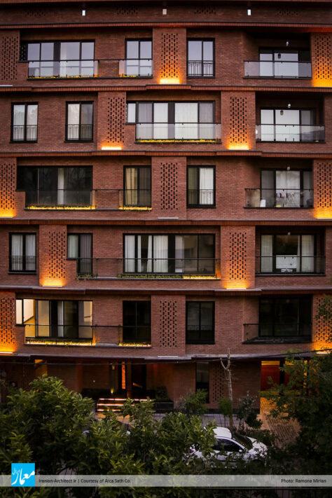 خانه آجر قرمز / شرکت آرکا سطح