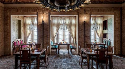 Hestouran Restaurant / Pargar Architecture & Design Studio