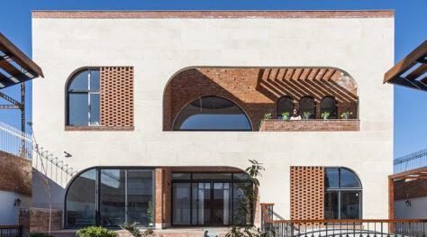 Sorkheh Hesar Villa / Sepidar Architecture Group