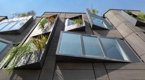 Shimigiah Residential Apartment / Ashari Architects